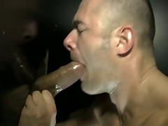 The muscled dude obtain hard fuck by a dick through gloryhole