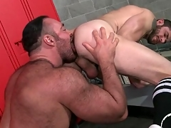 Thick submit to licks and fucks a scrounger from ruin