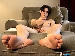 Twink David Twiggy has a big cock he masturbates