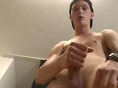 Kid Skater Old crumpet - Exclusive Casting